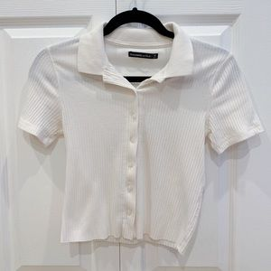 White/cream collared button up